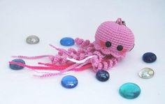 Jellyfish - free amigurumi crochet pattern