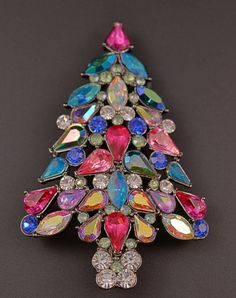 Avon Christmas Tree Pin, 2006