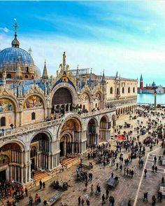 Markusplatz, Venedig, Italien – Luiz Cesar Fidelis – Join in the world Places Around The World, Oh The Places You'll Go, Travel Around The World, Places To Travel, Travel Destinations, Places To Visit, Around The Worlds, Italy Vacation, Italy Travel