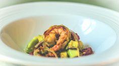 l'insalata di avocado gamberi pomodori e cipolla rossa di Tropea ricette light