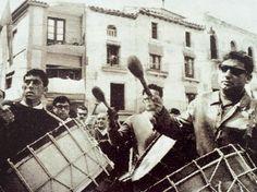 """La tamborada de Semana Santa en el cortometraje """"Calanda, 1966″ de Juan Luis Buñuel"""