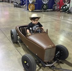 Awesome pedal car at the Grand National Roadster Show 2015 -You can find Pedal cars and more on our website.Awesome pedal car at the Grand National Roadster Show 2015 - Kart Cross, Kids Wagon, Pull Wagon, E Motor, Miniature Cars, Grand National, Kids Ride On, Karting, Pedal Cars