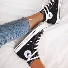 Converse Chuck Taylor All Star High Top Sneaker Converse All Star, Converse Black Sneakers, All Star Shoes, Best Sneakers, High Top Sneakers, White Converse, Converse Shoes Outfit, High Heels, Girls Shoes