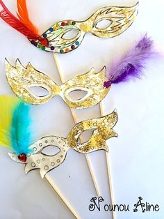 DIY Halloween Kostüm Wettbewerb Award Trophäen – Jewellery For Lady Diy Masquerade Decorations, Carnival Decorations, Mardi Gras, Theme Carnaval, Diy For Kids, Crafts For Kids, Diy And Crafts, Arts And Crafts, World Thinking Day