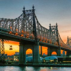 Sunrise color over the Ed Koch Queensboro Bridge by @nyclovesnyc via Twitter