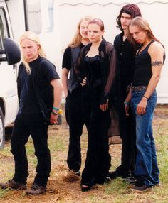 Nightwish - The First Era (I'd put this picture somewhere around 1998 or 1999) Emmpu Vuorinen, Tarja Turunen, Sami Vanska, Tuomas Holopainen, Jukka Nevalainen.