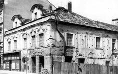 dům čp. 42 U tří korun - Rubešova/Kutnohorská  - Dlouho opravovaný - rok 1970