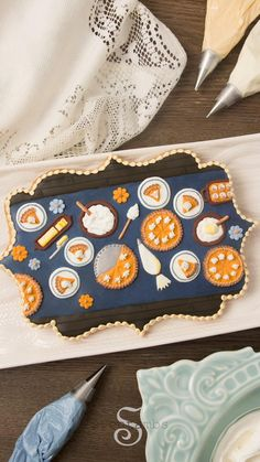 Thanksgiving isn't complete without a dessert table! SweetAmbs shows us how to make a cute cookie using real butter. Holiday Cookie Recipes, Cookie Desserts, Holiday Cookies, Cute Cookies, Sugar Cookies, Royal Icing Sugar, Yummy Recipes, Yummy Food, Yellow Food Coloring