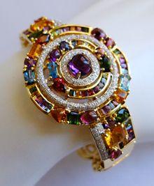 Bling Jewelry, Pendant Jewelry, Jewelery, Vintage Jewelry, Jewelry Accessories, Jewelry Design, Unique Jewelry, Cartier Diamond Rings, Diamond Brooch