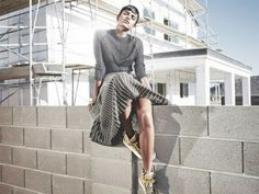 Laurie Bartley photographs 'Ray of Light' with style from Samira Nasr for Elle, Mar 2014