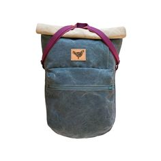 Color: Smokey Grey/Ocean Blue Product Type: Roll-top backpack Weight: 750 g Carries: Max. 5-7Kg Dimensions: 38 (30 cm) x 60 (43 cm) x 9 cm width o...
