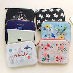 With Alice Rim pattern iPad multi pouch by With Alice. The Rim iPad pouch is an useful and well made pouch for iPad and Galaxy Tab. Laptop Pouch, Pouch Bag, Diy Bags Purses, Cute Wallets, Cute School Supplies, Kawaii Accessories, Travel Cosmetic Bags, Pencil Pouch, Girls Bags
