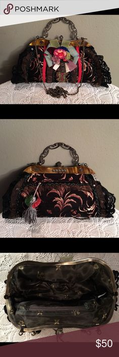 VINTAGE BEAUTIFUL FLORAL HANDBAG STUNNING FLORAL HANDBAG BROWN BLUE RED ORANGE GREEN GOLD TORTIS  SHELL TRIM BRASS HANDLE BRASS ANTIQUE  RHINESTONE CLOSER PLUS LONG CHAIN BACK HAS ZIPPER COMPARTMENT WITH BEAUTIFUL TASSEL ZIPPER OPENING INSIDE ONE SIDE ZIPPER COMPARTMENT OTHER SIDE SMALL COMPARTMENT  EXCELLENT CONDITION NEVER USED VINTAGE  Bags Shoulder Bags