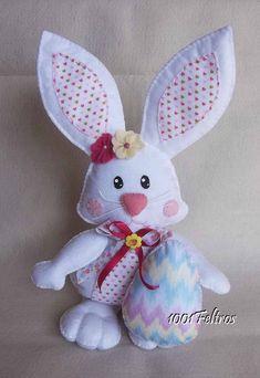 Easter Wreaths, Felt Crafts, Etsy Handmade, Cute Art, Tweety, Embroidery, Dolls, Gifts, Bunny Rabbits