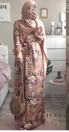 Abaya Fashion, Fashion Wear, Girl Fashion, Fashion Dresses, Islamic Fashion, Muslim Fashion, Muslimah Clothing, Stylish Hijab, Mode Abaya