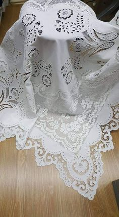 Cutwork Embroidery, White Embroidery, Teneriffe, Linen Towels, Point Lace, Crochet Tablecloth, Filet Crochet, My Sunshine, White Lace
