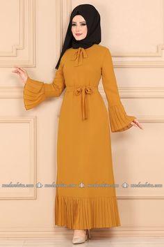 Sleeves Designs For Dresses, Dress Neck Designs, Mode Abaya, Mode Hijab, Frock Fashion, Women's Fashion Dresses, Fancy Dress Design, Pink Dress Casual, Muslim Women Fashion