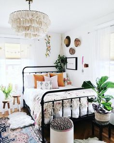 Fela Tassel Chandelier is part of Bohemian bedroom decor - Return and Refund Bedroom Design, Chic Bedroom, Bedroom Vintage, Bedroom Decor, Home Decor, Eclectic Bedroom, Small Bedroom, Room Ideas Bedroom, Apartment Decor