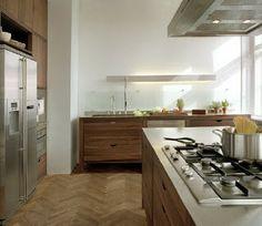 Indelibly Green Danish Kitchen Designs Hit New York Green Kitchen Designs, Scandinavian Kitchen, Kitchen Design, Kitchen Sets, Kitchen, Kitchen Dining, Danish Kitchen, Kitchen Styling, Kitchen Cabinets