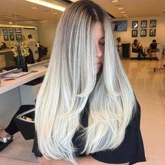 """1,489 mentions J'aime, 18 commentaires - Rosy M. Bueno (@rosybueno) sur Instagram : """"Aquele cabelo que derruba quarteirão! Quer ser atendida por nós também? Deixe seu contato + ddd nos…"""""""