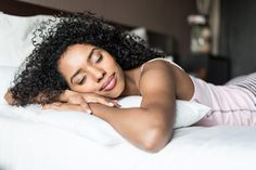Is Sleep the Key to a Stronger Immune System? | Fullscript Tai Chi, Huile Tea Tree, Best Sheets, Ways To Sleep, Night Time Routine, Trouble Sleeping, Flu Season, Healthy Meals For Two, Sleep Tight