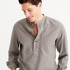 Crew for the Wallace & Barnes jaspé band-collar popover shirt for Men. Find the best selection of Men Shirts & Tops available in-stores and online. Stylish Men, Men Casual, Mens Shirt Pattern, Kurta Men, Mens Kurta Designs, Mens Trends, T Shirt And Jeans, Summer Shirts, Shirt Style