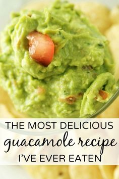 Fresh, easy, and delicious guacamole with only 5 ingredients! Mexican food, #mexican #recipe
