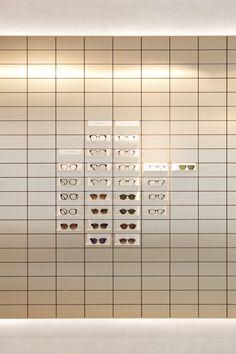 Rad van Fortuin mechanisme Viu eyewear creates gallery-like space for its Vienna flagship store Retail Interior Design, Retail Store Design, Retail Shop, Interior Exterior, Retail Displays, Shop Displays, Merchandising Displays, Window Displays, Living Style