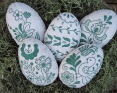 Ive hand appliqued and embroidered this set of four Easter Eggs with Hungarian folk art motifs. The base color of wool felt I used is antique white. Each is backed with same wool felt and filled with polyfil. Back and front are hand stitched together with DMC pearl cotton floss. Measurements: 5 1/2 x 4 Thanks for looking and Happy Decorating! If you would like a tracking # there will be an additional $1.00 shipping charge.