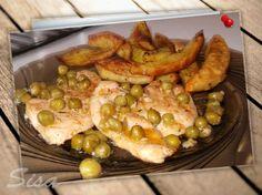 Kuracie prsia na hrášku s opekanými zemiakmi: http://www.hrncekoverecepty.sk/2016/07/kuracie-prsia-na-hrasku-s-opekanymi.html