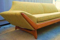 atomic boomerang Pearsall sofa