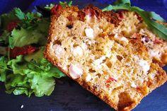 Savoury Dishes, Savoury Cake, Cake Thon Olive, Cake Chevre Tomate, Cake Feta, Thermomix Bread, Scones, Lasagna, Food Inspiration