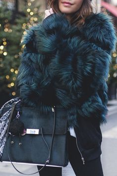 Amazing blue fur coat for winter time Women Fashion Fur Fashion, Look Fashion, Womens Fashion, Fashion Trends, Outfits Otoño, Fashion Outfits, Fall Winter Outfits, Autumn Winter Fashion, Blue Fur Coat