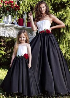 2017 Elegant Prom Dress For Pregeant Women Floor Length Matching Mother Daughter Evening Dress With Flower Elegant Prom Dresses, A Line Prom Dresses, Girls Dresses, Flower Girl Dresses, Wedding Dresses, Mom Daughter Matching Dresses, Mother Daughter Fashion, Mother Daughters, Moda Kids