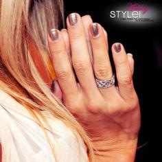 Smalto d'argento e Anello intrecciato - Ashley Tisdale