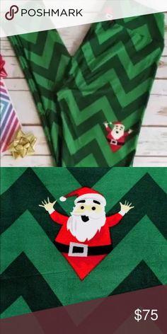 LulaRoe chevron Santa Peekaboo hidden OS Super Cute! OS BRAND NEW LuLaRoe Pants Leggings