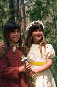 PRAIRIE 'The Godsister' Episode 14 Aired Pictured Lindsay Greenbush as Carrie Ingalls Sidney Greenbush as Alyssa