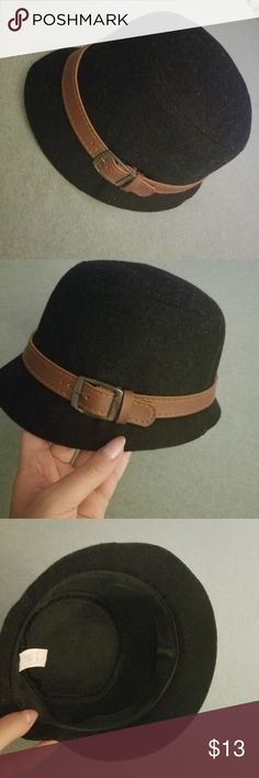 315d63d1c3c Women girl hat- black and brown Used maybe twice but too small.