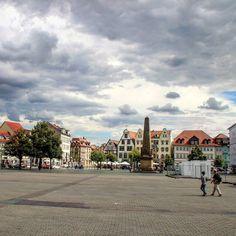 Auf dem Markt von #Erfurt. Direkt vor dem #Dom mit Blick auf den #Obelisk