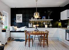 czarna ściana w kuchni