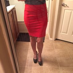 "❤️Flash sale❤️BR 4p bright red pencil skirt Back pocket detailing- super cute! Slit in back. Bright red, definitely adds a ""pop"" to your wardrobe! Form fitting. Material has some stretch.  Banana Republic Skirts Pencil"