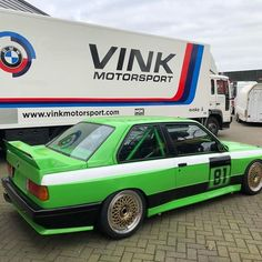 Bmw E30 M3, Bmw Classic Cars, Wheels, Van, Board, Vans, Sign, Planks, Tray
