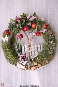 Breathtaking door wreath warm season apple tree / 2 - door wreaths - green area & florist - with love . Best Picture For spring wreaths diy kids For Your Diy Spring Wreath, Summer Door Wreaths, Easter Wreaths, Diy Wreath, Christmas Wreaths, Yarn Wreaths, Ribbon Wreaths, Tulle Wreath, Floral Wreaths