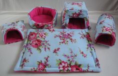 I just love this pattern... But then how many beds does a piggie clan need?