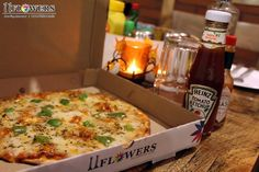 Yummy Pizza at 11 Flowers Restaurant in Vrindavan, India. Rooftop, Macaroni And Cheese, Pizza, Vegetarian, Restaurant, India, Meals, Vegan, Make It Yourself