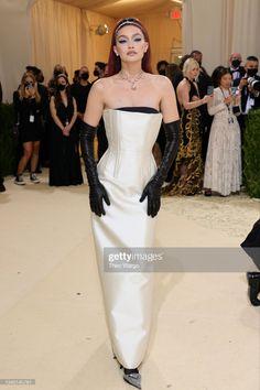 Jennifer Hudson, Kate Hudson, Kris Jenner, Kendall Jenner, Gigi Hadid, Bella Hadid, Gala Dresses, Nice Dresses, Formal Dresses