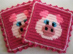 Pink Pig Pot Holders. Set of two, crochet pig pot holders.