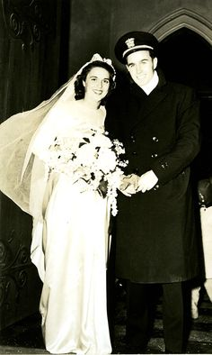 Wedding photo of Barbara and George Bush