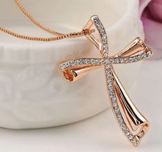 Beautiful Swarovski Crystal Cross🕆🕇🕆 Necklace is perfect for you to add up in your collection. The modern look👌 perfectly compliments the grace.😍 Perfect Christmas🎅 Gift🎁 for your loved ones.😍 Order Now👇 Garnet Earrings, Rose Gold Earrings, Pendant Earrings, Stud Earrings, Rose Gold Pendant, Pendant Set, Cross Pendant, Crystal Cross, Gold Cross