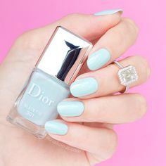 Modern Nail Art Designs that Are Too Cute to Resist Dior Nail Polish, Dior Nails, Bright Nails, Blue Nails, Manicure, Nails 2016, Blue Nail Designs, Modern Nails, Finger